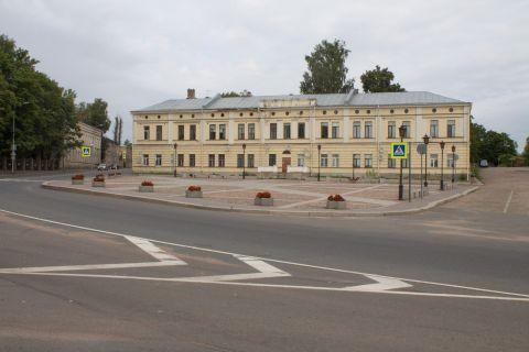 Петровская площадь