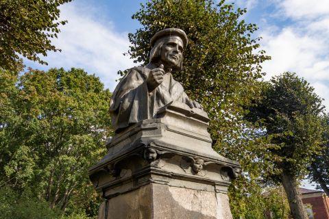 Памятник Микаэлю Агриколе